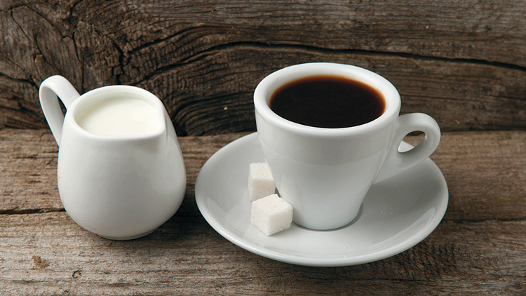 HocIns_No_6_DI_Kleines-Lexikon-von-milchbasierten-Kaffeespezialitaeten